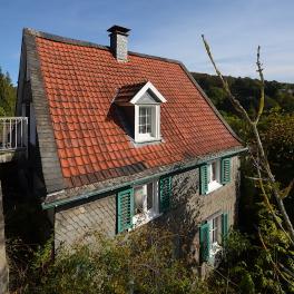 Haus in Hanglage zur Wupperschleife
